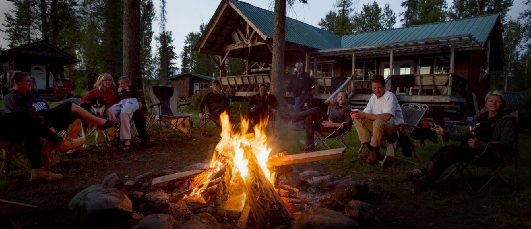 Bo på hytte i Alaska